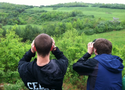 Students elk watching outside of Robinson Forest